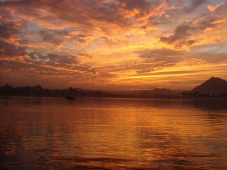 Liquid Fire: the sun sets on Fateh Sagar Lake